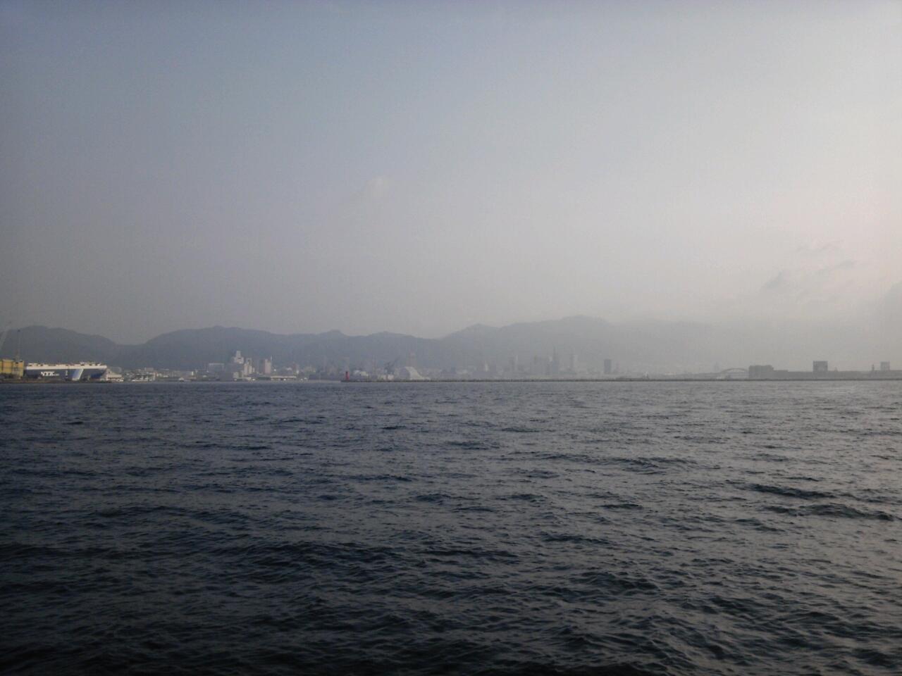 神戸港島沖